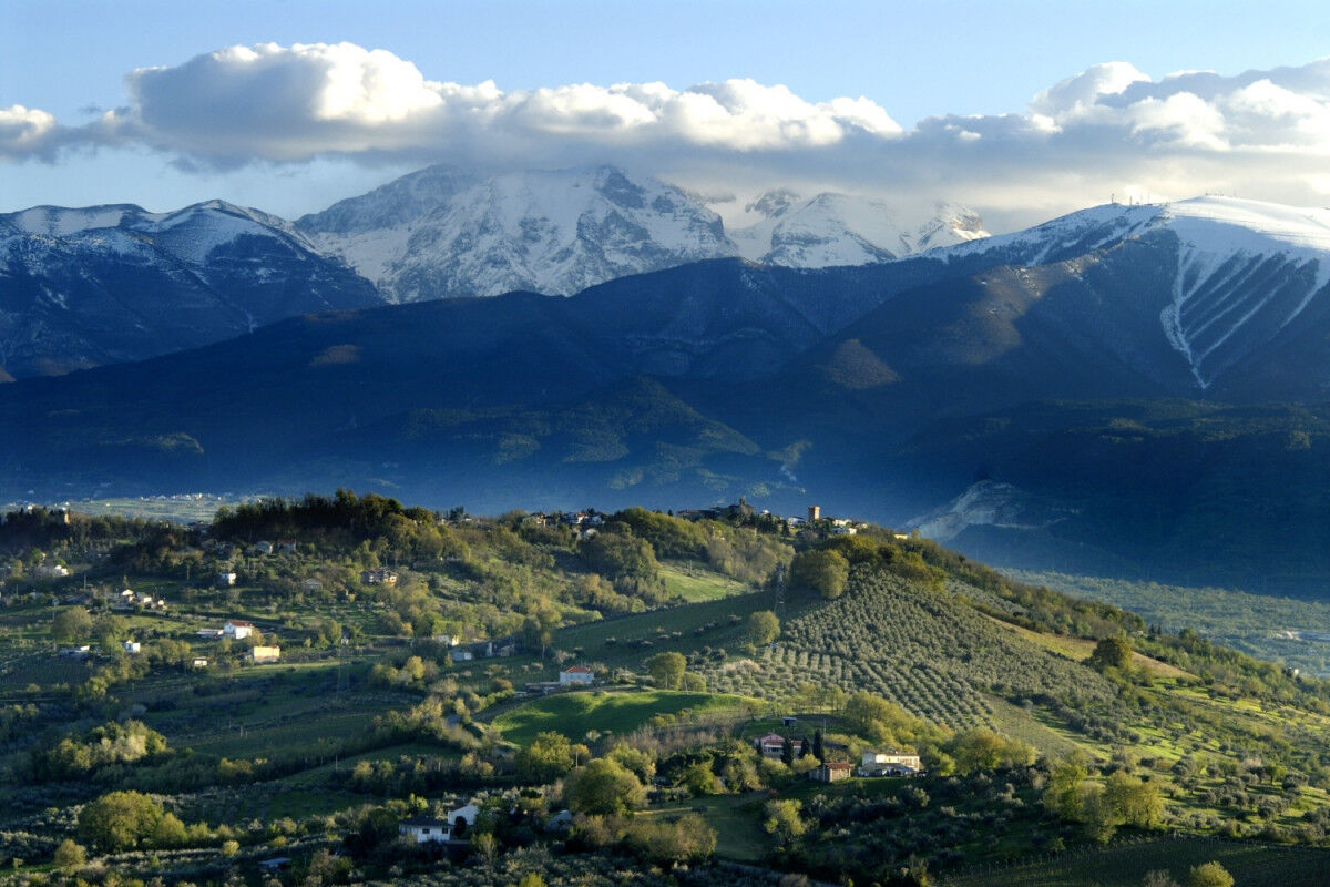 tagAlt.Casacanditella moutnains and valleys 8