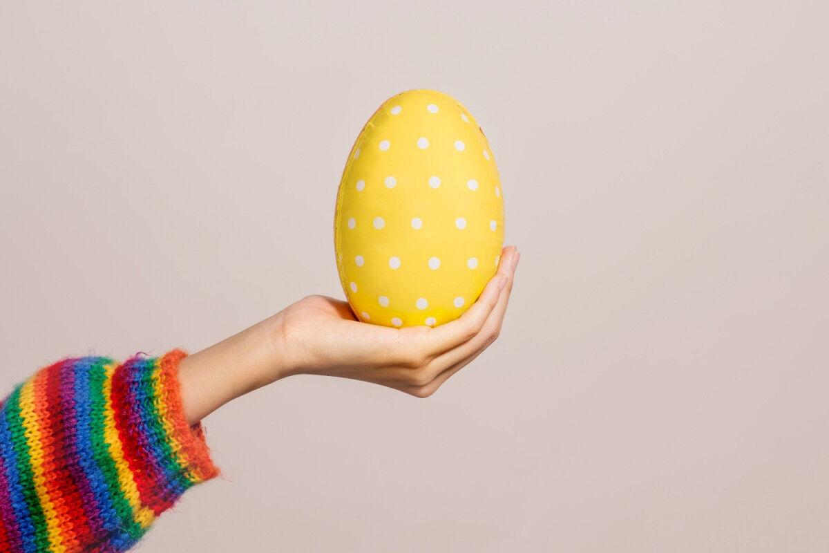tagAlt.Easter Chocolate Eggs Cover