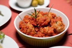 tagAlt.Beef Meatballs with Tuscan Tomato Sauce