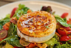 tagAlt.Caramelized Goat Cheese with Zucchini Salad