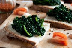 tagAlt.Classic Crostini with Tuscan Kale