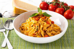 tagAlt.Homemade Tagliatelle with Fresh Tomato Sauce