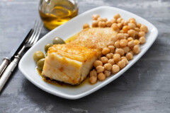 tagAlt.Oven baked Cod with Chickpea and Sun dried Tomato Salad