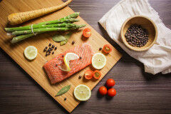 tagAlt.Pan fried Salmon with Asparagus Salad and Toasted Almond Dressing