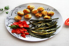 tagAlt.Potato Croquettes with Green Bean and Tomato Salad