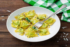 tagAlt.Spinach filled Ravioli with Butter Sage Sauce