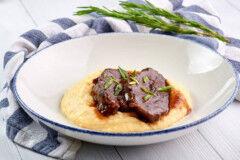 tagAlt.Wine braised Beef Cheeks with Mashed Celeraic