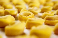 tagAlt.tortellini pasta in broth