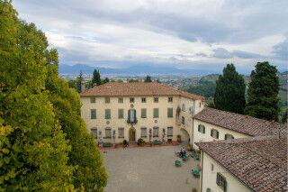 tagAlt.Capezzana overhead courtyard Cover