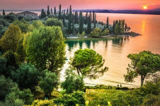 tagAlt.Lake Garda Sunset Panorama Cover