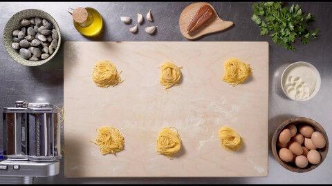 tagAlt.tagliolini clams and bottarga