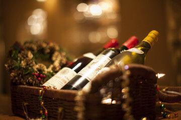 tagAlt.Christmas wine basket 5