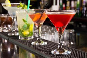 tagAlt.Colorful cocktails Vermouth 1
