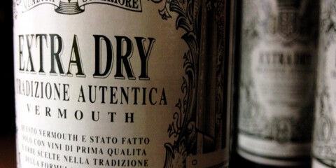 tagAlt.Extra dry Vermouth label 9