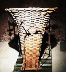 tagAlt.Grape carrying baskets traditional Valtellina 5