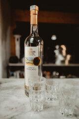 tagAlt.Grappa bottle glass 5