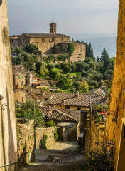 tagAlt.Montalcino city alley 6