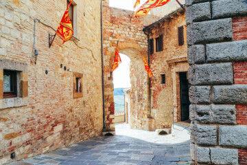 tagAlt.Montepulciano city scenes 8