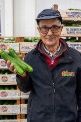 tagAlt.POM Prepping celery 7