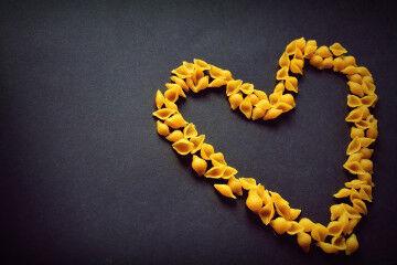 tagAlt.Pasta shapes in heart form 2