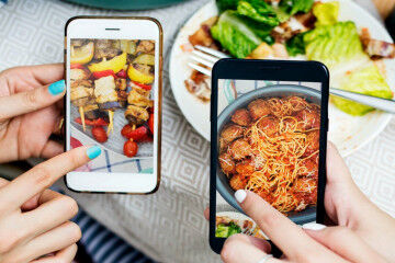 tagAlt.Reviewing food phones 2