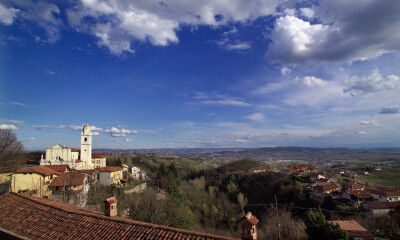 tagAlt.Roero Piedmont small town panorama 7