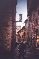 tagAlt.San Gimignano Dusk narrow streets 4