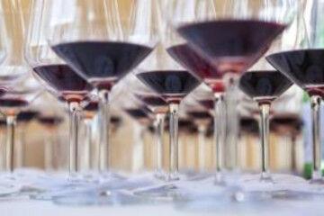 tagAlt.Spurrier wine glasses tasting 2